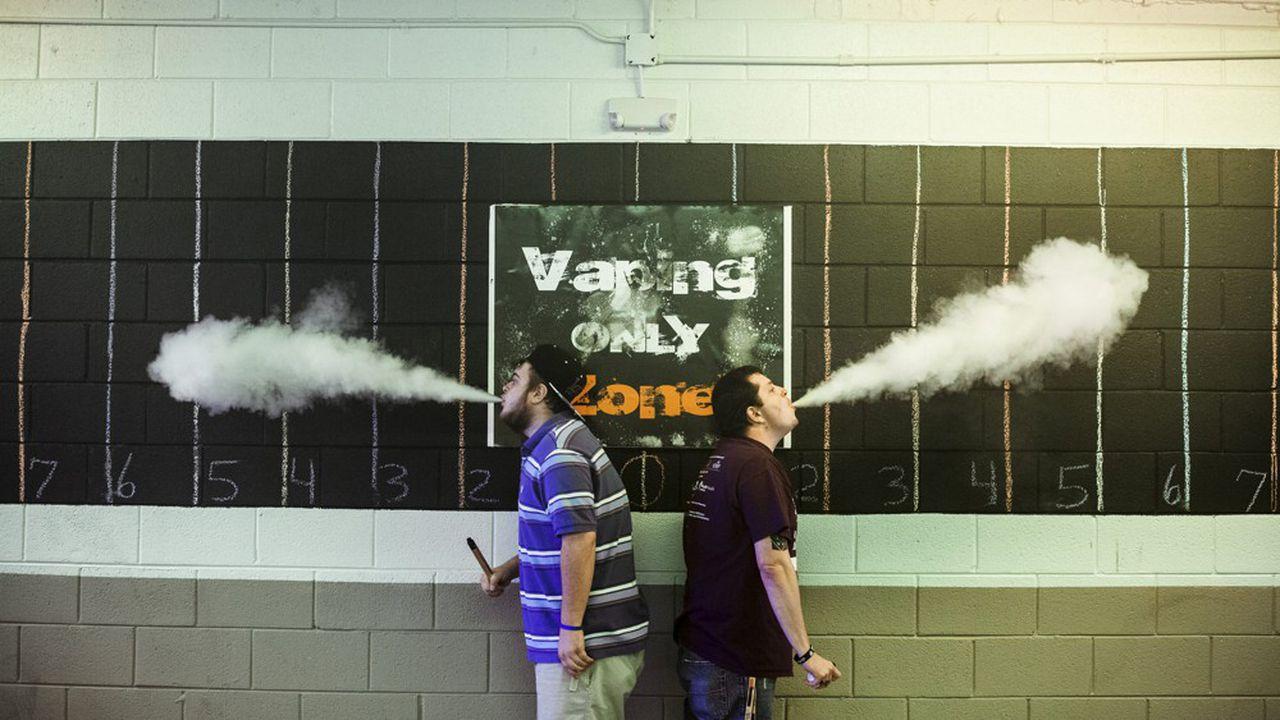 Cigarette électronique : est-elle vraiment moins dangereuse pour la santé ?